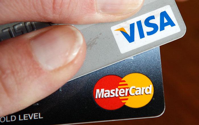 """Visa и MasterCard перестали обслуживать клиентов банка """"Россия"""""""