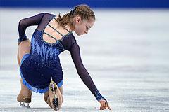 Липницкая стала третьей в короткой программе на ЧМ по фигурному катанию