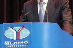 МГИМО не считает увольнение профессора Зубова ущемлением свободы слова