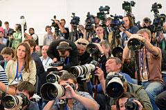 Украину призвали не мешать работе российских журналистов