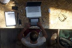 Комитет Госдумы рекомендовал приравнять блогеров-тысячников к СМИ