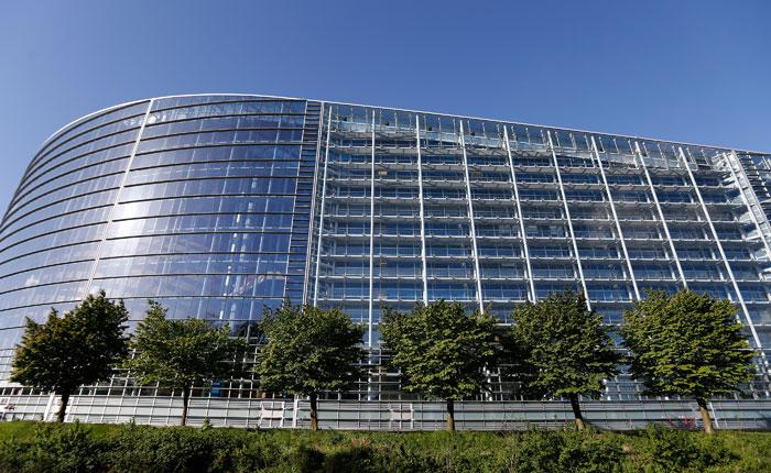 Европарламент призвал подготовить экономические санкции в отношении России