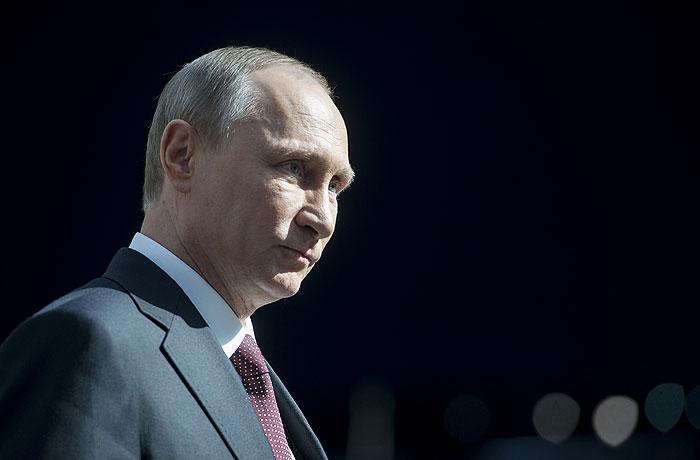 Путин наградит помогавших в Крыму военных