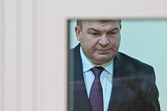 Защита Сердюкова считает его амнистию законной