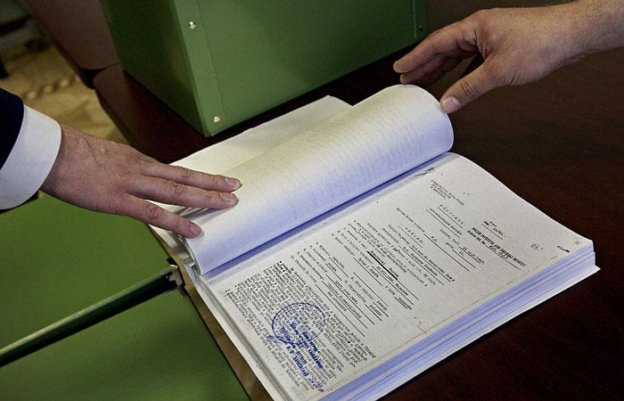 Суд вернул в прокуратуру дело братьев Навальных