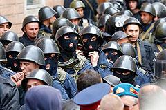 """Сторонники """"народного губернатора"""" захватили здание обладминистрации Луганска"""