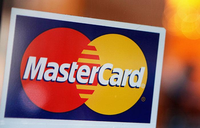 MasterCard прекратил обслуживание карт СМП-банка и Инвесткапиталбанка