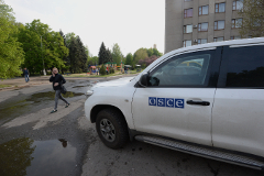 Активисты в Славянске освободили двоих бойцов СБУ