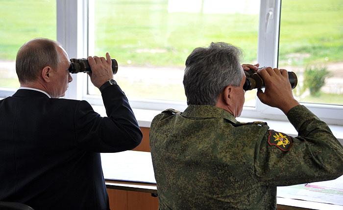 Путин велел вернуть войска с учений у украинской границы в места дислокации