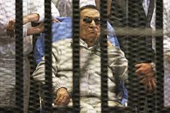 Экс-президента Египта приговорили к трем годам тюрьмы