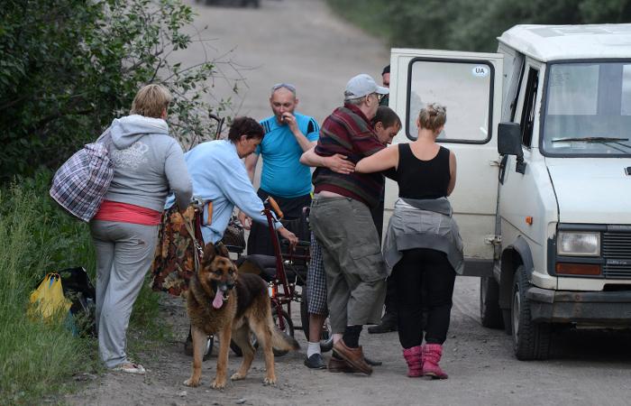 """Луганское ополчение обвинило """"Правый сектор"""" в расстреле солдат-срочников"""