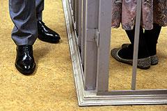 Суд признал супругов Расуловых виновными в нападении на полицейского на Матвеевском рынке