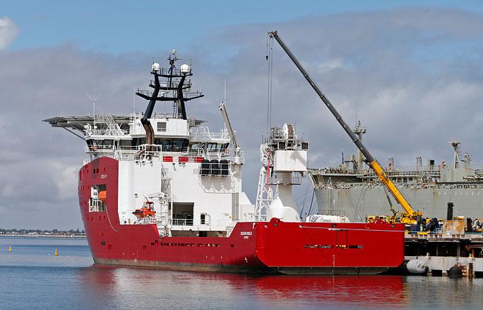 """Корабль ВМС Австралии, возможно, засек """"черные ящики"""" Boeing 777"""
