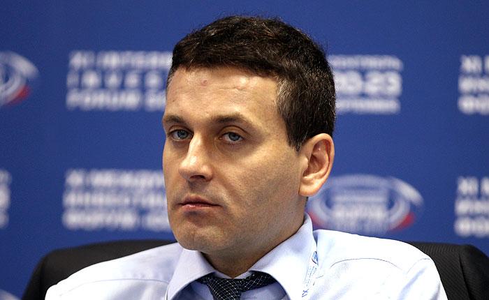 СКР потребовал лишить неприкосновенности сенатора Константина Цыбко