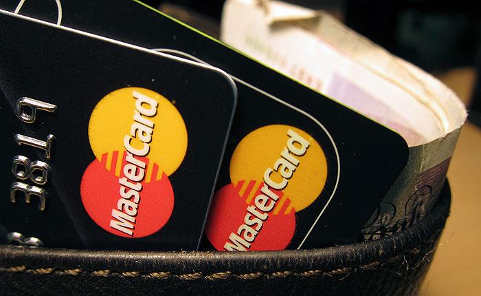 ЦБ предложил прописать в законе снижение гарантийного взноса для Visa и MasterCard