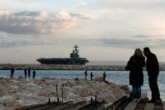 Американский авианосец выдвинулся в Персидский залив из-за ситуации в Ираке