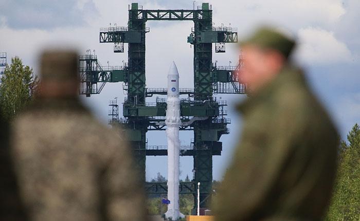 """Госкомиссия решила снять """"Ангару"""" со стартового стола"""