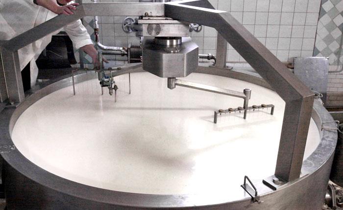 Россия запретила ввоз молока ряда украинских предприятий