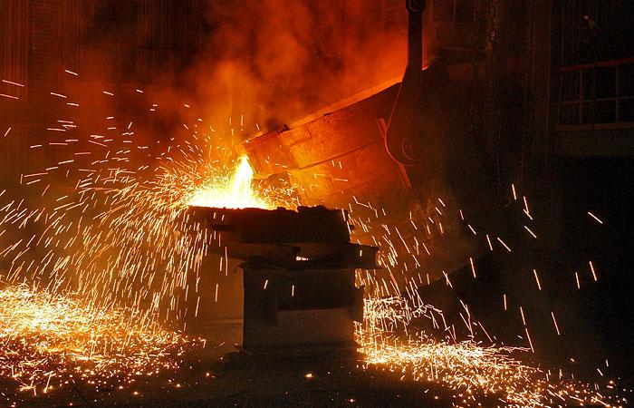 """Акции """"Мечела"""" рухнули почти на 20% после отказа ВЭБа спасать компанию"""