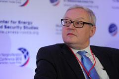 """В МИД РФ пообещали """"болезненный и острый"""" ответ на новые санкции США"""