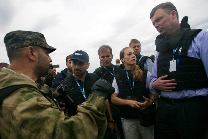 """ОБСЕ обвинила ДНР в ограничении доступа к месту крушения """"Боинга 777"""""""