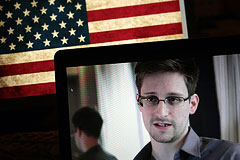 Сноуден подал документы на продление временного убежища в России