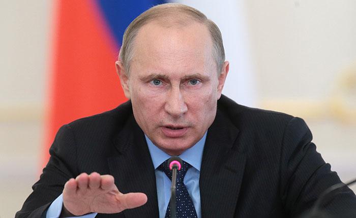 """Путин поручил проработать """"аккуратный"""" ответ на западные санкции"""