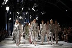 ВТБ заинтересовался покупкой дома моды Roberto Cavalli