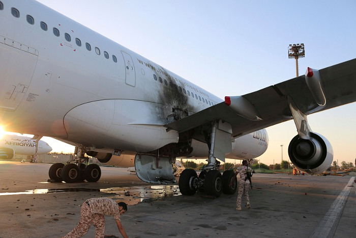 Ливийские исламисты захватили аэропорт в Триполи