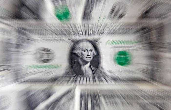 Доллар взлетел до максимума с марта на сообщениях с Украины