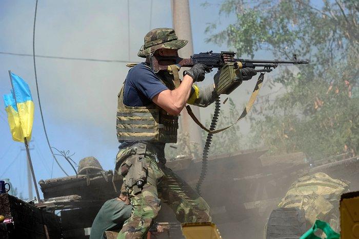Глава МВД Украины объявил о начале выхода окруженных подразделений из Иловайска