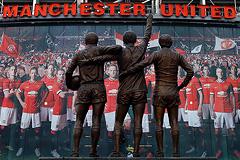 Английские футбольные клубы установили трансферный рекорд