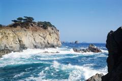 Один моряк погиб при крушении камбоджийского лесовоза в Японском море