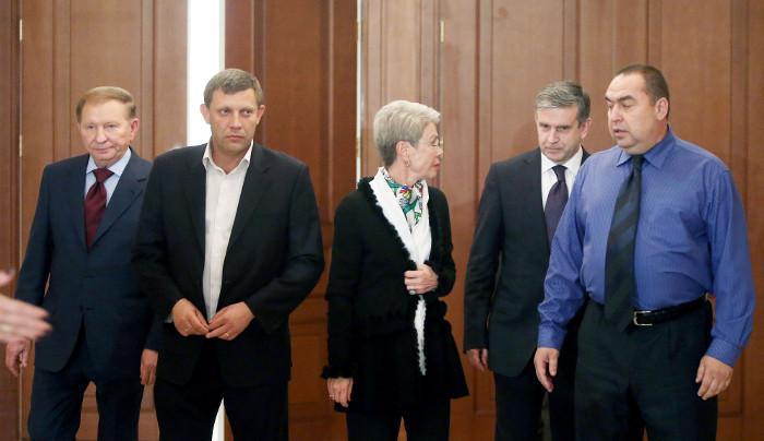 Украина проведет децентрализацию власти в Донецкой и Луганской областях