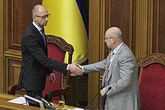 """Яценюк и Турчинов возглавили партию """"Народный фронт"""""""