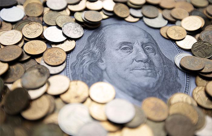 Доллар превысил 38 рублей