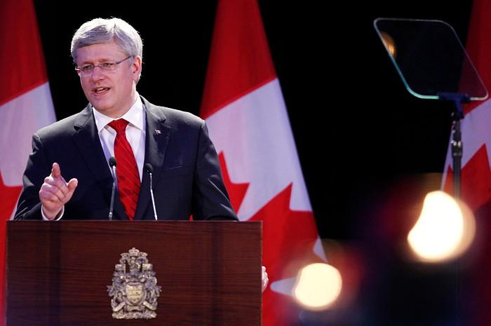 Канада ввела санкции против Сбербанка и четырех российских военных