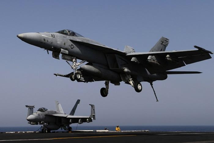 США нанесли первый авиаудар по боевикам в рамках поддержки Багдада