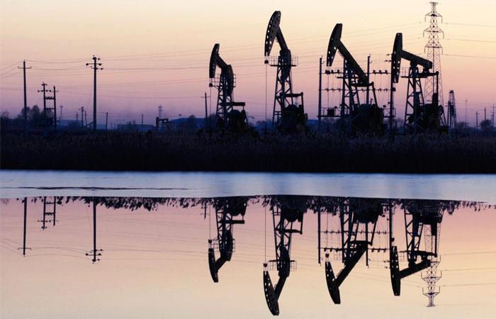 ЦБ заложит в стрессовый сценарий цену на нефть в $60