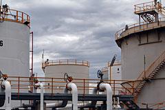 Нефть марки Brent подешевела до минимума за два года