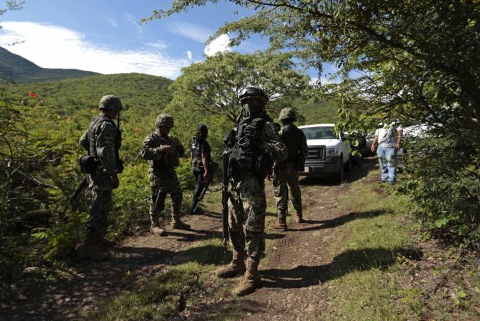 В районе поиска пропавших студентов в Мексике нашли братскую могилу