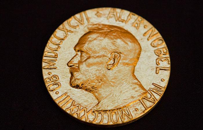 Нобелевскую премию по физике дали за изобретение синего светодиода