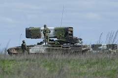Путин поручил вернуть 17 тыс. военных с учений в Ростовской области