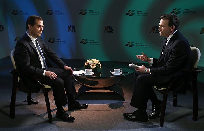 Медведев заявил о невозможности перезагрузки отношений с США