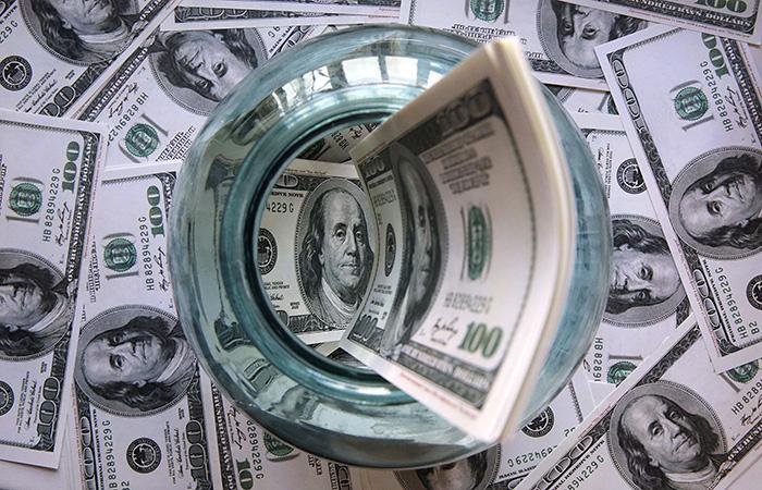 Доллар взял отметку в 41 рубль