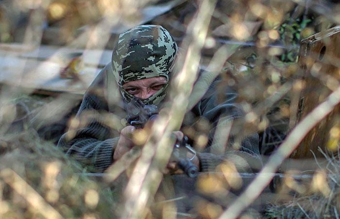 Более ста украинских военных попали в окружение в Луганской области