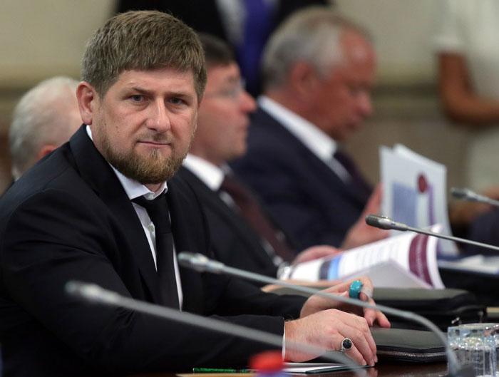 Кадыров выступил за отключение интернета ради мира
