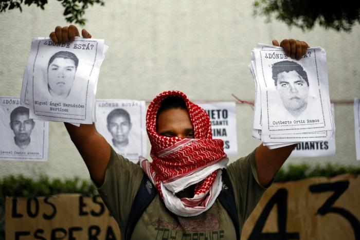 В Мексике в связи с пропажей студентов начат розыск мэра Игуалы