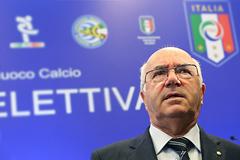 FIFA дисквалифицировала главу итальянской федерации футбола за расизм