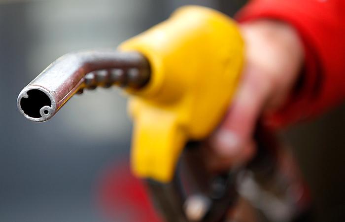 """ФАС обвинила """"Роснефть"""", """"Башнефть"""" и """"ЛУКОЙЛ"""" в манипулировании ценами на бензин"""
